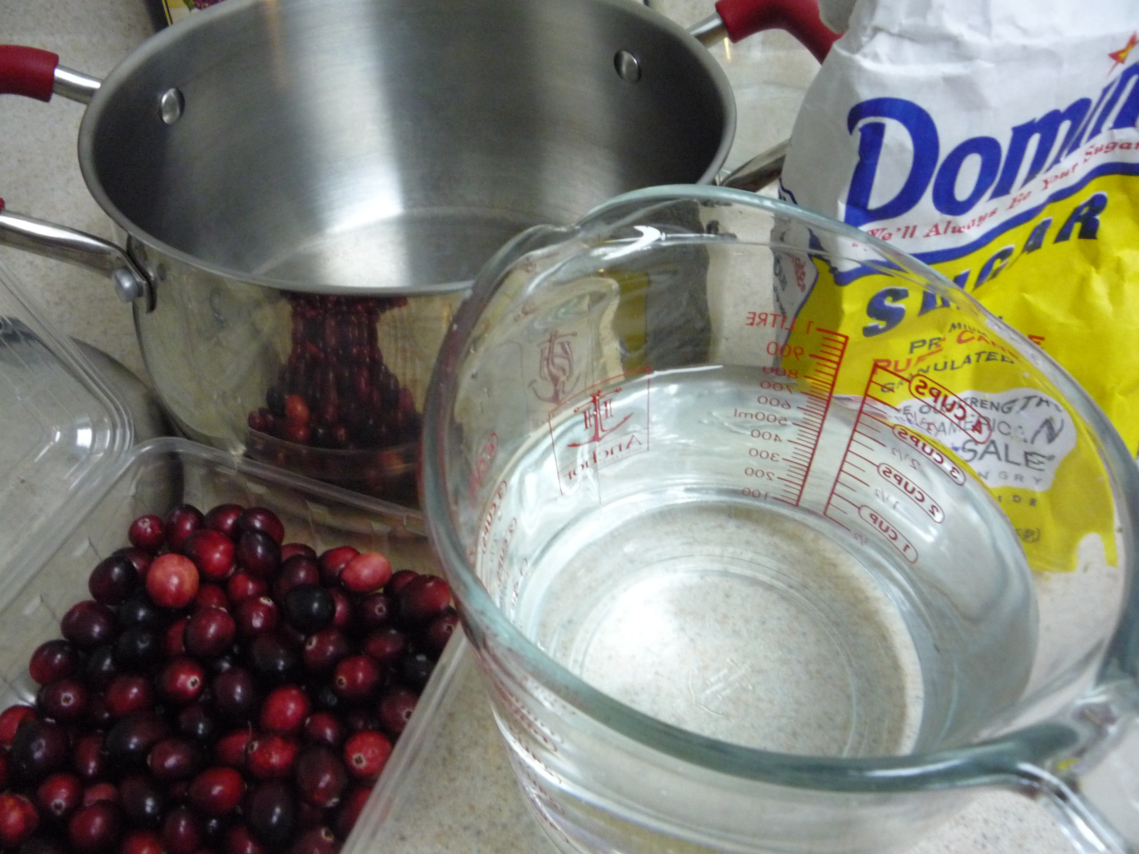 how to eat raw cranberries